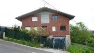 Por orden de la propiedad.  Liquidación de vivienda unifamiliar con una superficie construida de 375 m2 y 2.640 m2 de terreno en Barrika.